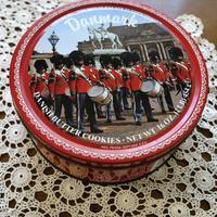 デンマーククッキーの缶 - ノスタルジア好きが集めた物たち