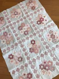 シュガーピンクの花束・作成中 - キルトで幸せな毎日を