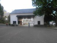 旧黒田藩蔵屋敷長屋門 - 時の流れに身を任せ…
