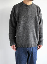 THE HINOKILAMB WOOL KNIT CREW NECK PULL OVER / Dark Gray - 『Bumpkins putting on airs』