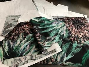 シルクウールプリントのワンピースの裁断と縫製 - 青山ぱせり日記