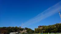 秋空の下の熊本城。 - 青い海と空を追いかけて。