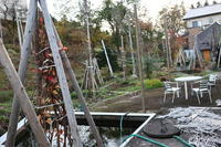 庭木の枝でなんちゃってリース - ユリ 百合 ゆり 魚沼農場の日々