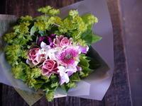 産休に入られる女性への花束。「可愛らしい感じ」。中の島1条にお届け。2018/11/15。 - 札幌 花屋 meLL flowers