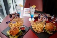 SJバーガーを食べに行く!!@SMTOWN TOKYO - 晴れた朝には 改