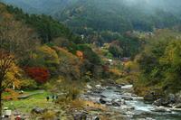 御岳渓谷の紅葉を見る - お散歩写真     O-edo line