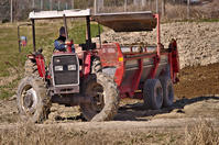 『 Massey FergusonMF390 tractor 愛知牧場』 - いなせなロコモーション♪