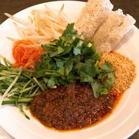 東神奈川の「ベトナムの食卓 ハノイ」ベトナム風和えビーフンのランチ - あれも食べたい、これも食べたい!EX