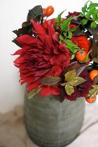 気分はちょっぴりクリスマス♪ - お花に囲まれて