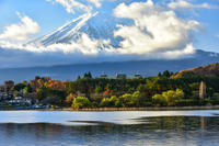 河口湖の紅葉 - 風とこだま