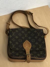 ヴィトンのショルダーバッグをお買取しました! - 買取専門店 和 店舗ブログ