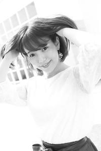 花崎那奈ちゃん3 - モノクロポートレート写真館