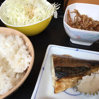 22日 サバ塩、きんぴら、サラダ@御徒町小町 - 香港と黒猫とイズタマアル2