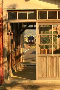斜陽のホームで - ゆる鉄旅情
