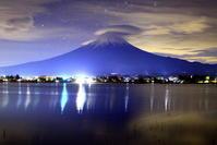30年11月の富士(14)夜の笠雲と富士 - 富士への散歩道 ~撮影記~