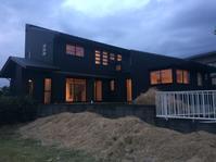 太陽熱で床暖房するソーラーシステム「そよ風」の家完成見学会開催中です。裾野市御宿 - 自然素材の家造りブログ