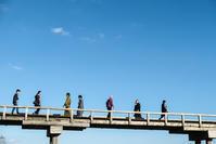 着物de蓬莱橋 - 長い木の橋