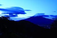 30年11月の富士(15)御坂峠の夜明けの富士 - 富士への散歩道 ~撮影記~