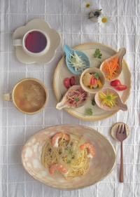 あさりとえびのパスタ - 陶器通販・益子焼 雑貨手作り陶器のサイトショップ 木のねのブログ