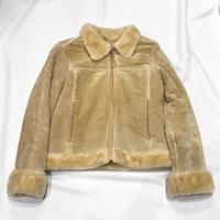 ムートンジャケット - 「NoT kyomachi」はレディース専門のアメリカ古着の店です。アメリカで直接買い付けたvintage 古着やレギュラー古着、Antique、コーディネート等を紹介していきます。