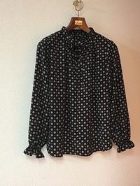 フリルネックブラウスとミモレ丈スカート「明日着る服」でワンピース風セットアップ - むらさきのいと