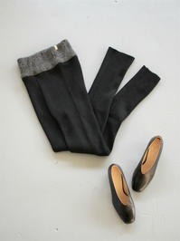 _Fotknit_leggings pants / Black - 『Bumpkins putting on airs』