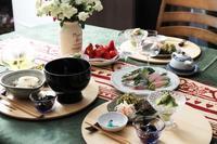 作り置きを並べた食卓 - 登志子のキッチン