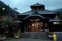 山田温泉とヴィラデストワイナリーでランチ♪ - うひひなまいにち