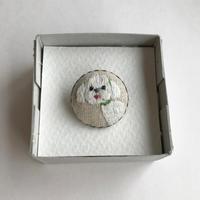 マルチーズの刺繍ブローチ - vogelhaus note