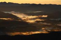 君津市九十九谷展望公園の雲海が輝く - 日本あちこち撮り歩記