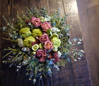 お誕生日の女性へのアレンジメント。「アンティークな感じ」。美しが丘2条にお届け。2018/11/28。 - 札幌 花屋 meLL flowers