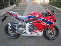 CBR250RRニューモデル入荷 - バイクの横輪