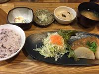 5日 サバの味噌煮定食@わたしの食卓 - 香港と黒猫とイズタマアル2