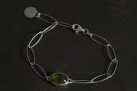 ヴェスヴィアナイト細チェーンブレスレット - 石と銀の装身具