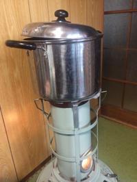 ビワの葉を煮出す - roomNO.203