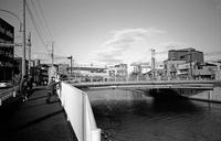 河畔にて(その5) - そぞろ歩きの記憶