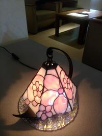 さくらの小ランプお客様のもとへ - ステンドグラスルーチェの日常