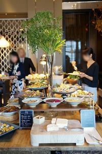 平日のホテルLUNCH  「ピャチェーレ」@シャングリ・ラ ホテル東京 - 晴れた朝には 改
