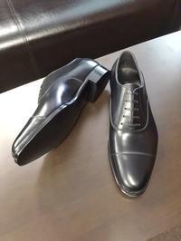 紳士服の基本の一足ですね - Milestoneのブログ