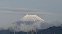 12月7日、4日ぶり、我が家から見た富士山と咲きだした水仙です -   心満たされる生活