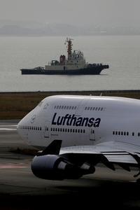 Lufthansa   B747 - ken.style-photograph