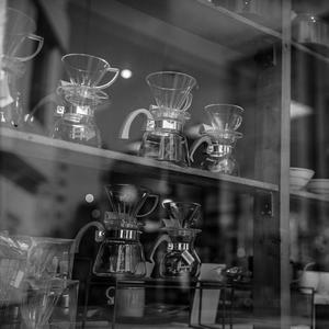 人待ち顔のコーヒーサーバー - Silver Oblivion