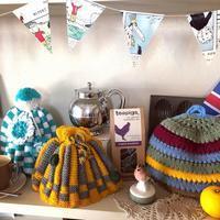 ●英国 手編みのティーコージー - 英国古物店 PISKEY VINTAGE/ピスキーヴィンテージのあれこれ