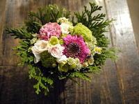 一周忌にアレンジメント。2018/12/05。 - 札幌 花屋 meLL flowers
