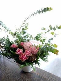 閉店される平岸3条のラーメン屋さんに「あと2日」のアレンジメント。2018/12/08。 - 札幌 花屋 meLL flowers