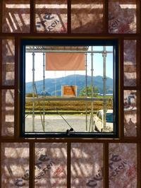 景色を切り取る窓。 - ミヤザキヒロシの中庭空間