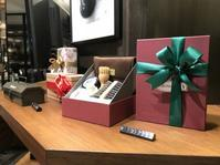 プレゼントの準備はお早めに - シューケアマイスター靴磨き工房 銀座三越店