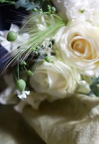 色と気持ち(最近のレッスンから) - お花に囲まれて