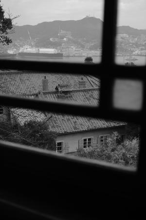 港の見える窓... - 心のカメラ  〜 more tomorrow than today ...