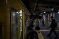 ★「カヨウヒト @ ことでん三条駅 18:51」 - 一写入魂